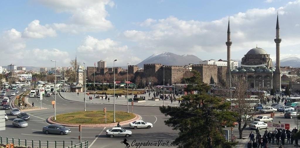 Крепость в центре города Кайсери является памятником римского периода