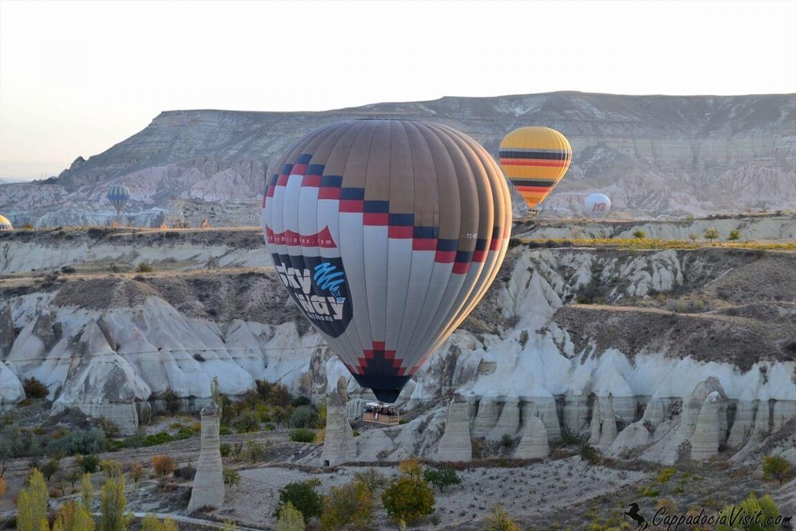 Первые лучи солнца и воздушные шары