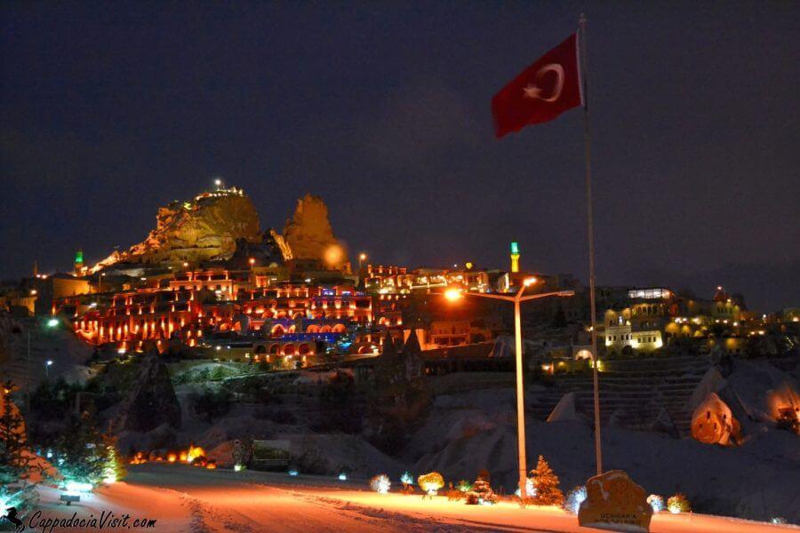 Крепость Учхисар перед Новым 2014 Годом
