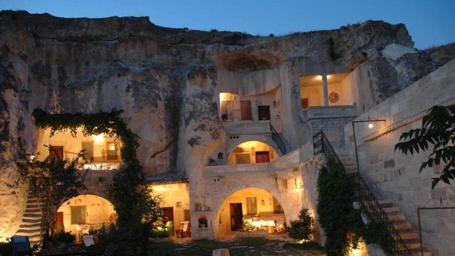 Пещерные отели Каппадокии -Вид отеля Elkep Evi Cave Hotel в Ургупе