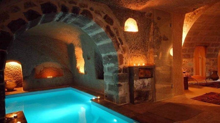 Крытый бассейн в Каппадокийском отеле