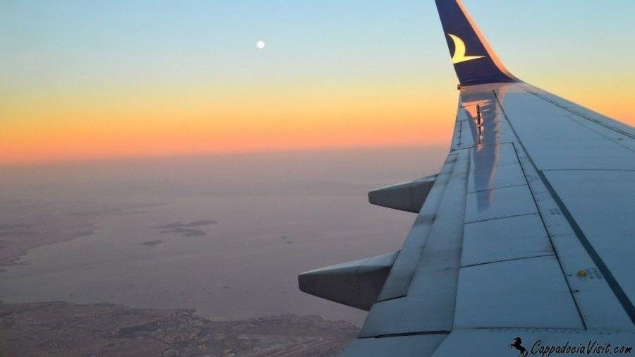 Вечерний полёт над Мраморным морем летом