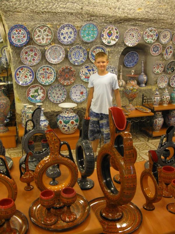 В керамической мастерской - Аванос