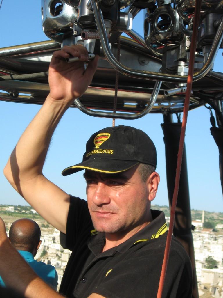Нури - пилот нашего воздушного шара