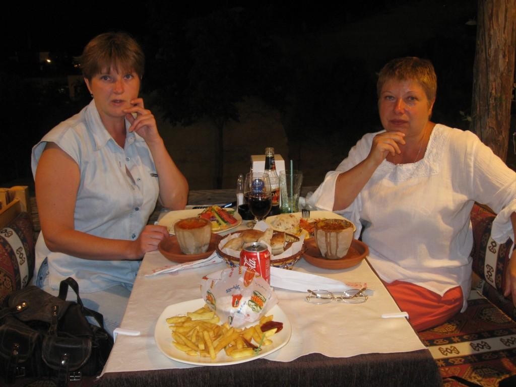 За ужином с тести-кебабом (pottery kebap)