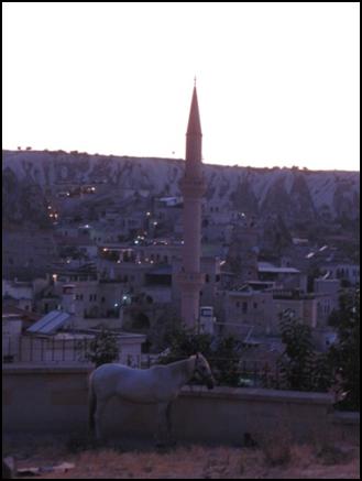 а здесь та же мечеть – в сумерках