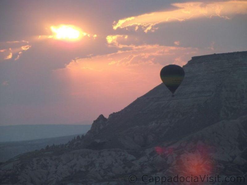 Восход солнца в Каппадокии и шар