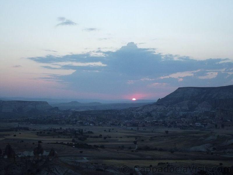 Красивый восход солнца в Каппадокии