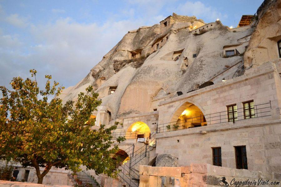 Пещерные отели Каппадокии:  отели-пещеры