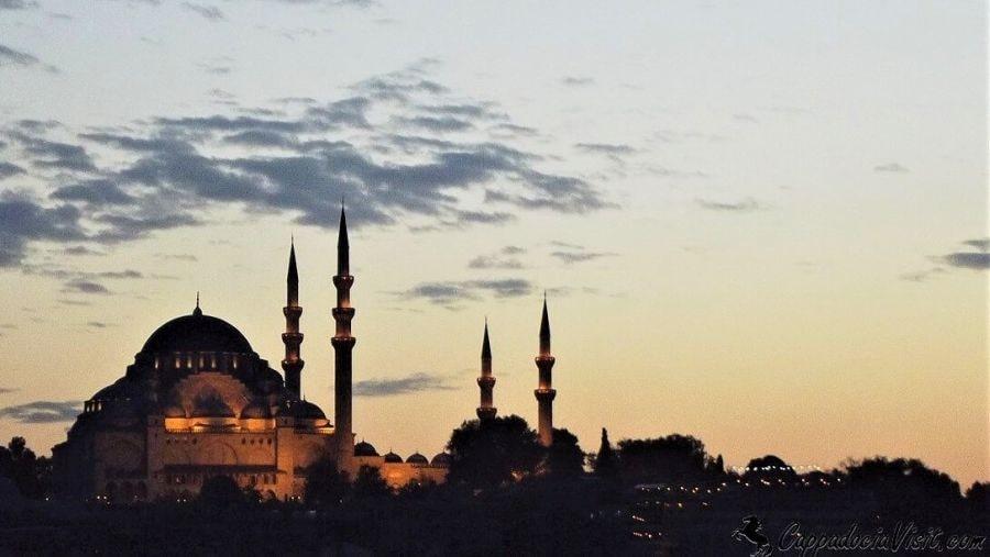 Мечеть Сулеймана Великолепного (Сулеймание) при закате