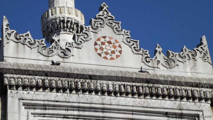Орнамент двери Новой мечети