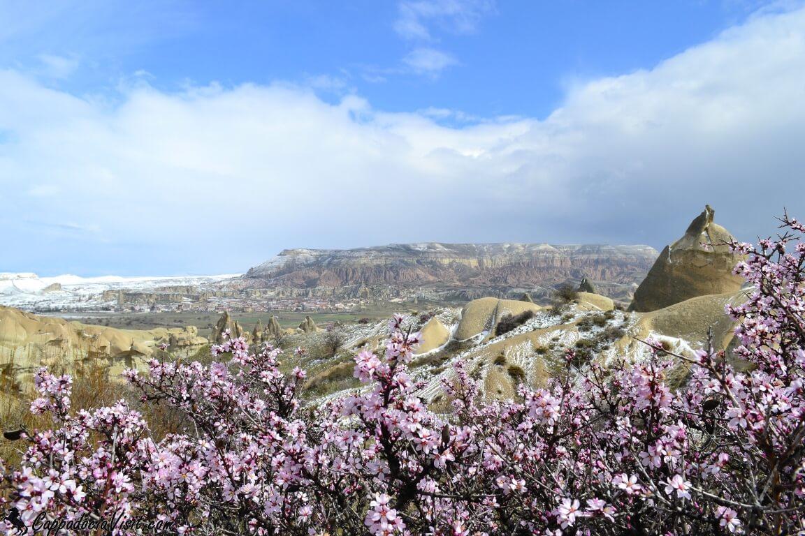Ранне-весенний пейзаж Каппадокии