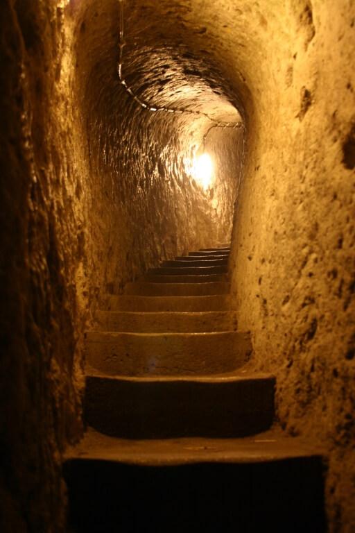 Туннель в подземном городе Деринкую