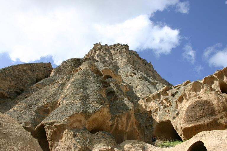 Скалы возле монастыря Селиме