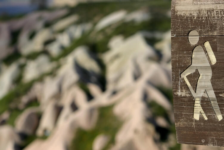 Долина голубей - деревянный указатель