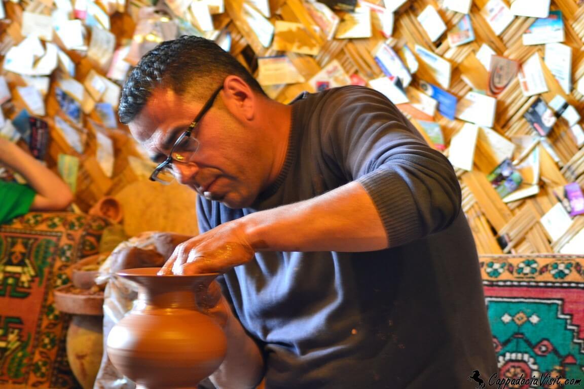 Мастер гончар в Каппадокии