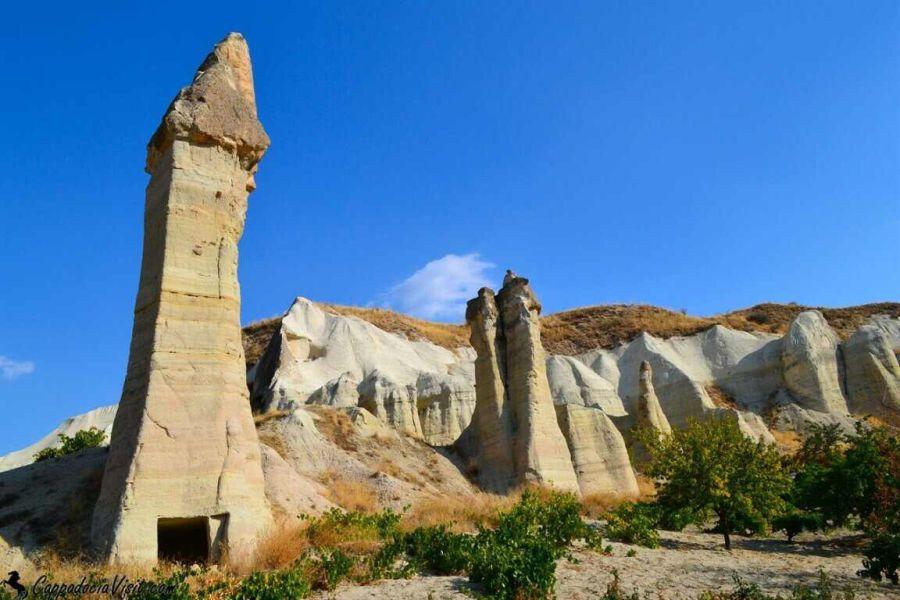 Необычные скальные образования Каппадокии