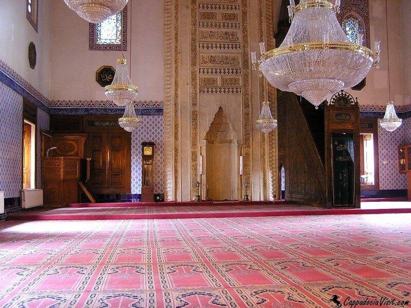 Интерьер Мечети Хаджи Байрам