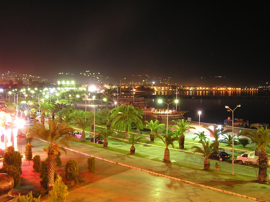 Аланья - Порт Аланьи ночю