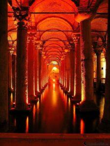 Цистерна Базилика - Подземный дворец Еребатан в Стамбуле