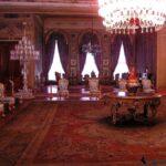 Интерьер одного из залов Долмабахче