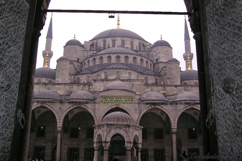 Вход в Голубой Мечети с Ипподрома