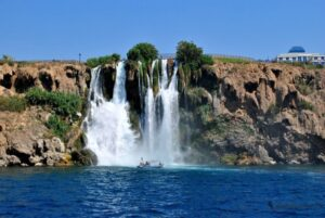 Водопад Нижний Дюден в районе Лара