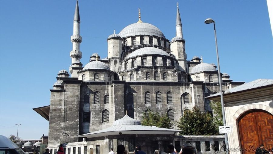 Новая мечеть (Йени Джами) - вид с заднего входа