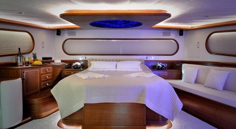 Отель - яхта Galataport Yachting