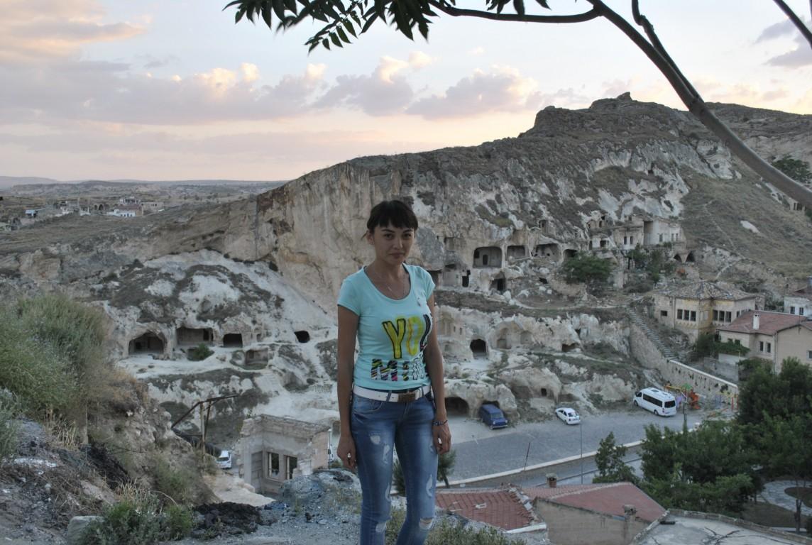 Отель, в котором мы остановились в Каппадокии, находился в Юргюпе. Вечером погуляла по городу
