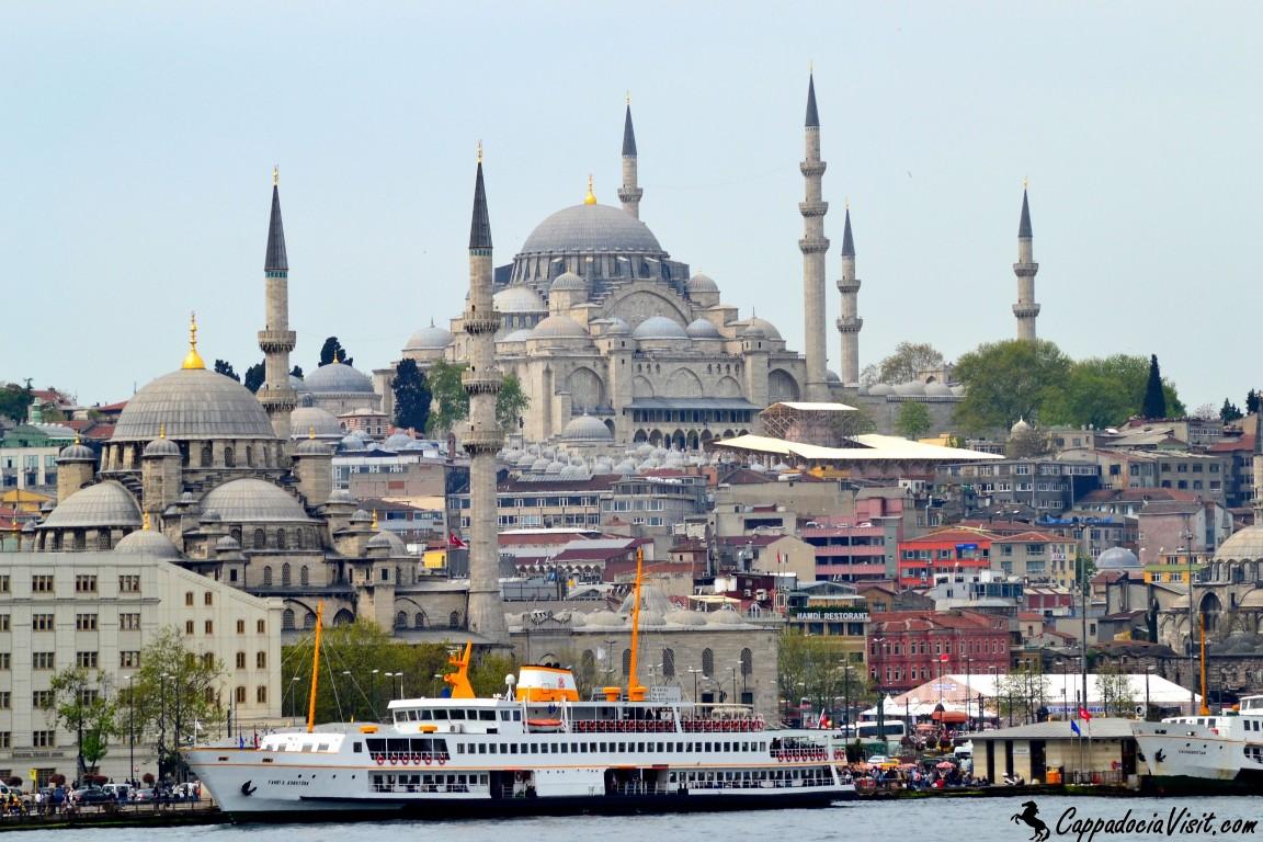 Мечеть Сулеймана Великолепного - вид с Золотого Рога