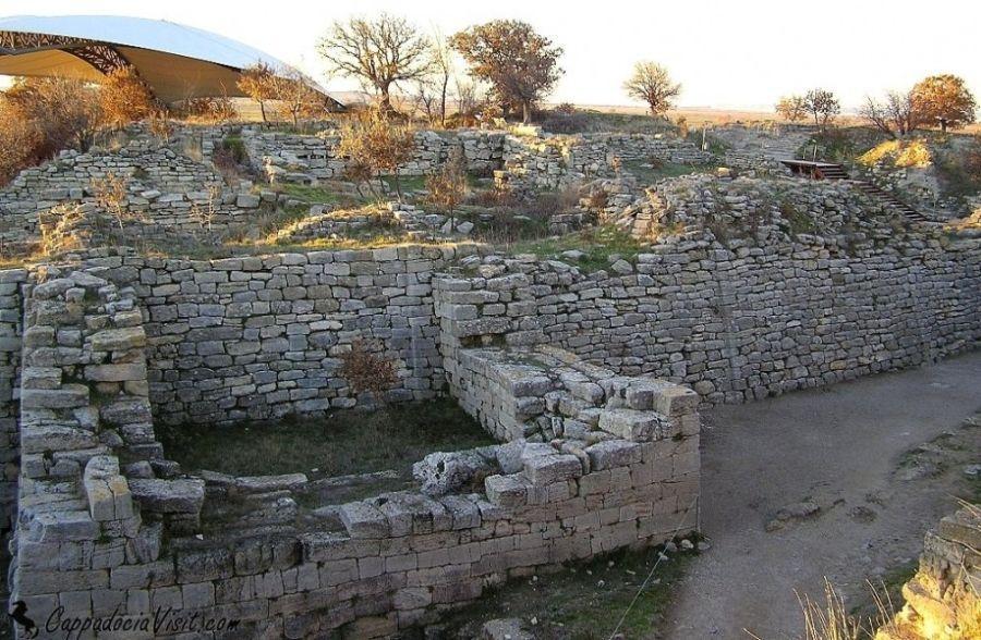 Крепостные стены Гомеровской Трои (Троя VI или VII)