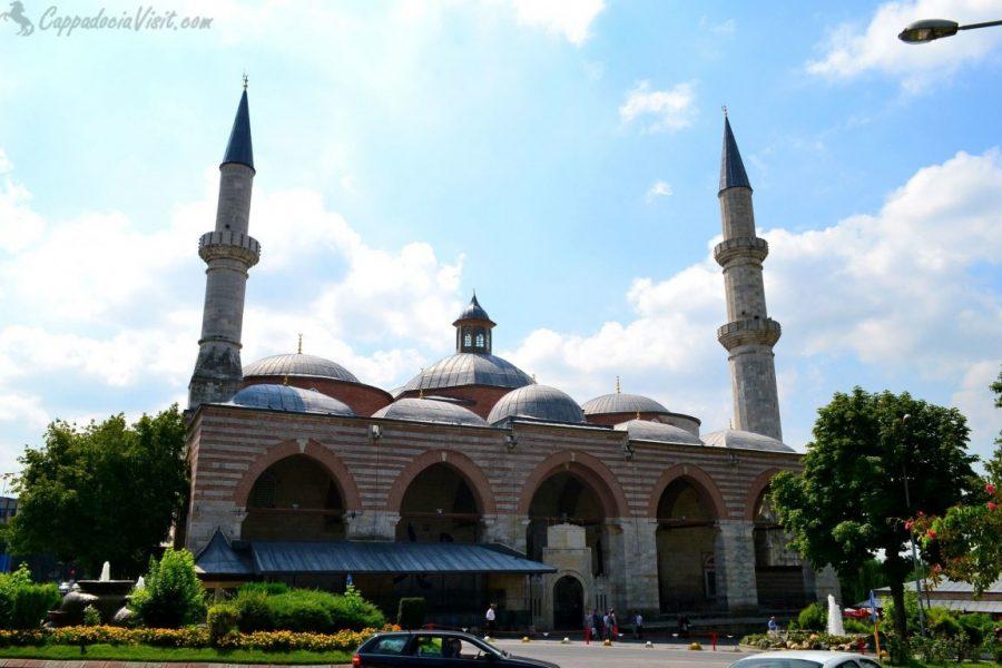 Старая Мечеть (Эски Джами) в Эдирне