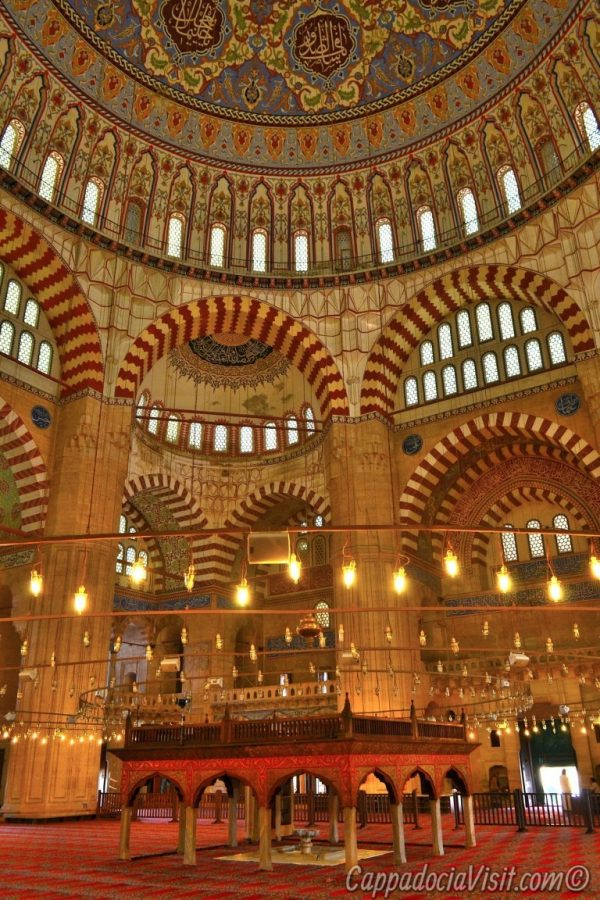 Интерьер мечети Селимие - Эдирне