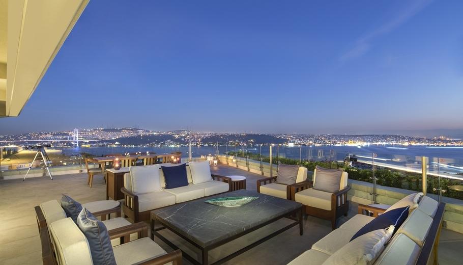 Вид из отеля Conrad Istanbul Bosphorus