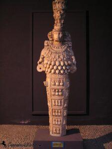 Артемида Эфесская. Статуя богини Артемиды в музее Эфеса
