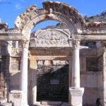 Храм римского императора Адриана