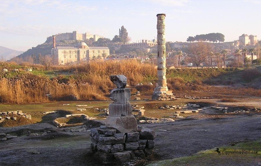 Развалины храма Артемиды