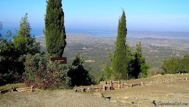 Окопы на Чунук Баир и вид на залив Сувла