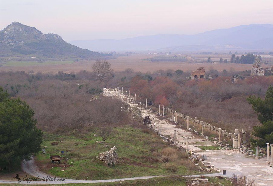 Портовая улица Эфеса - порт уже очень далеко от моря