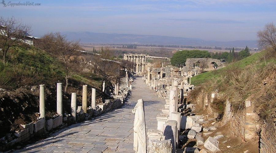 Улица Куретов в Эфесе