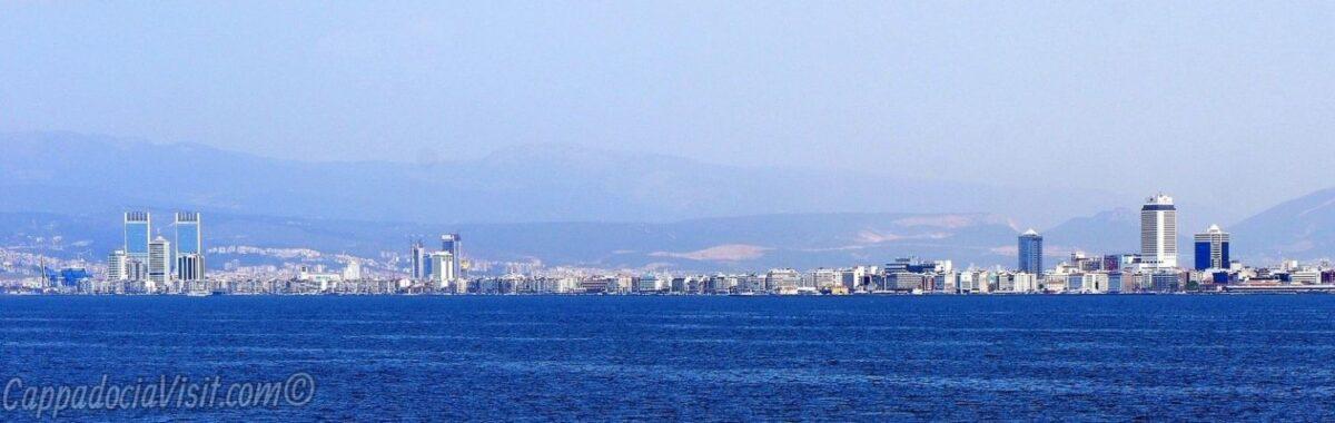 Панорамный вид на Измир с моря