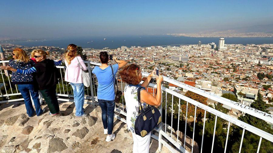 Вид на Измир с крепости Кадифекале