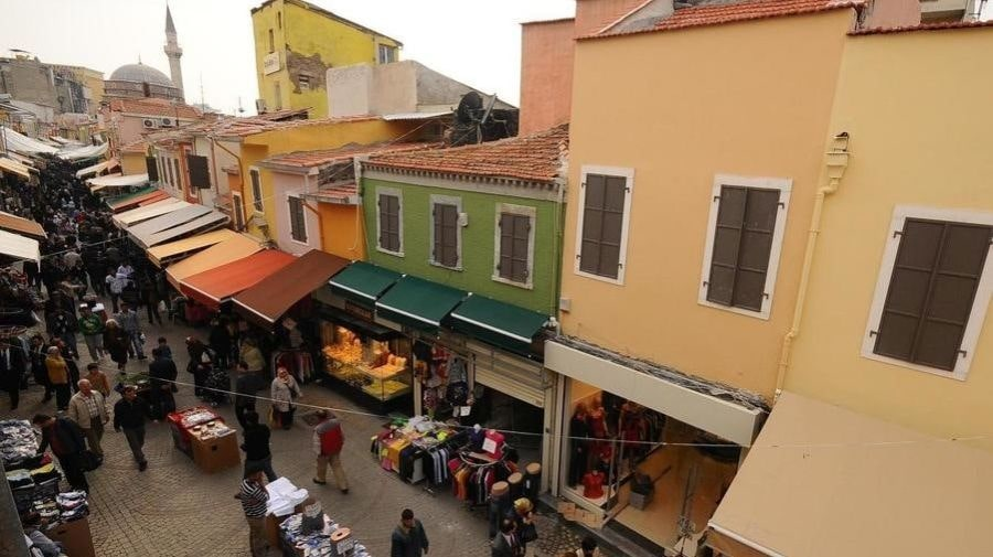 Исторический рынок Кемералты в Измире