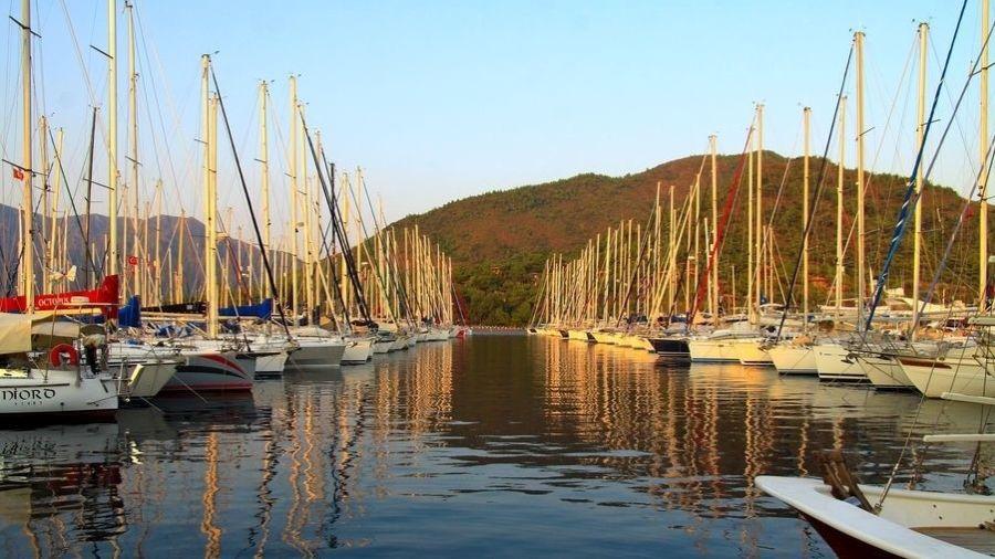 Яхты в бухте Мармариса - Эгейское побережье Турции