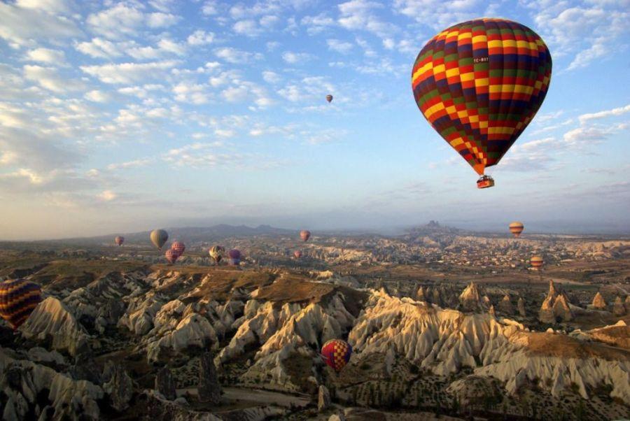 Воздушные шары в небесах Каппадокии