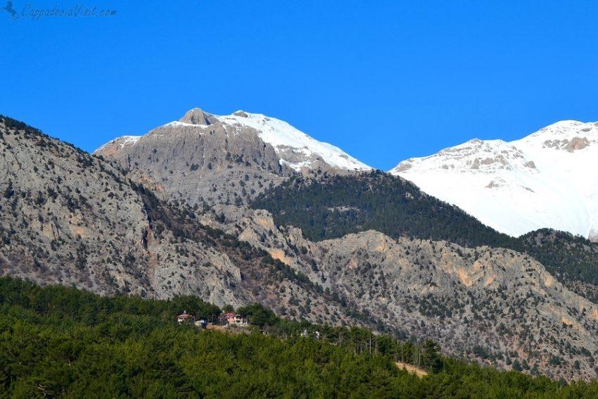 Таврские горы по дороге Анталия - Каппадокия