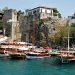Курорт Анталия - порт и крепостные стены