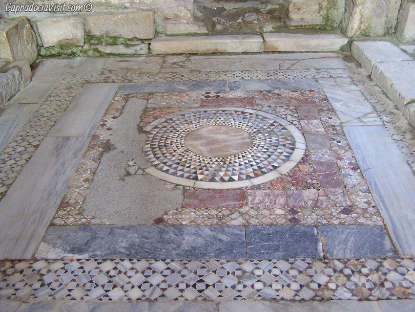 Мозаика пола церкви святителя Николая