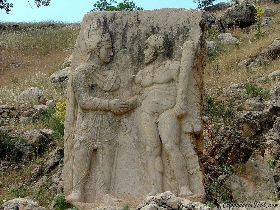 Рукопожатие - Царь Митридат и Геракл